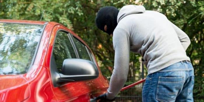 ¿Cómo saber si un carro o moto es robado?