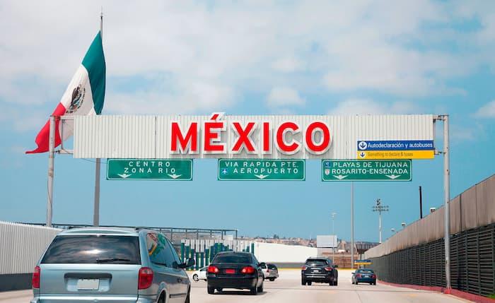 ¿Puede circular un auto americano en México?